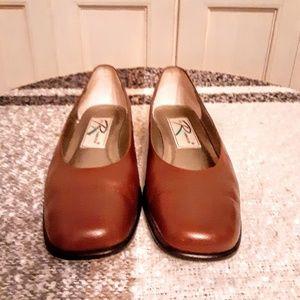 Genuine leather flats